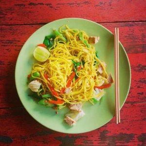 Vegane Nudeln mit Gemüse - Pad Thai