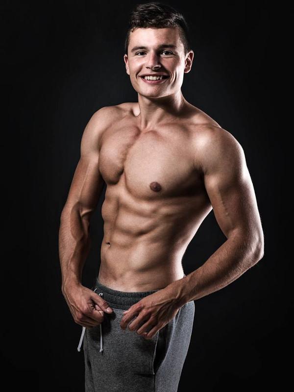 Lenny Schönbach - vegan Muskeln aufbauen