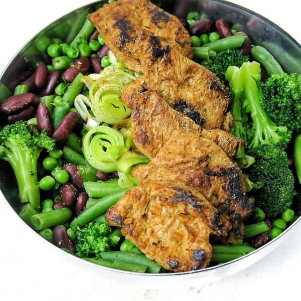 Krafttraining Einsteiger Proteinbedarf essen