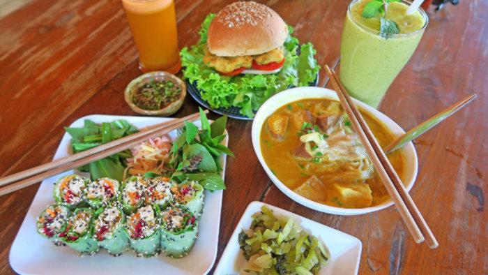 Vegan auf Reisen Essen in Chiang Mai Sommerrollen