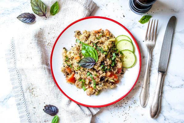 One-Pot-Rezepte-Quinoa-Salat-mit-Champignons