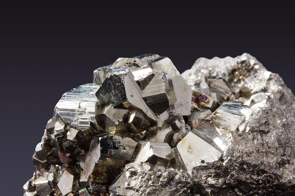 MSM-organischer-schwefel-stein