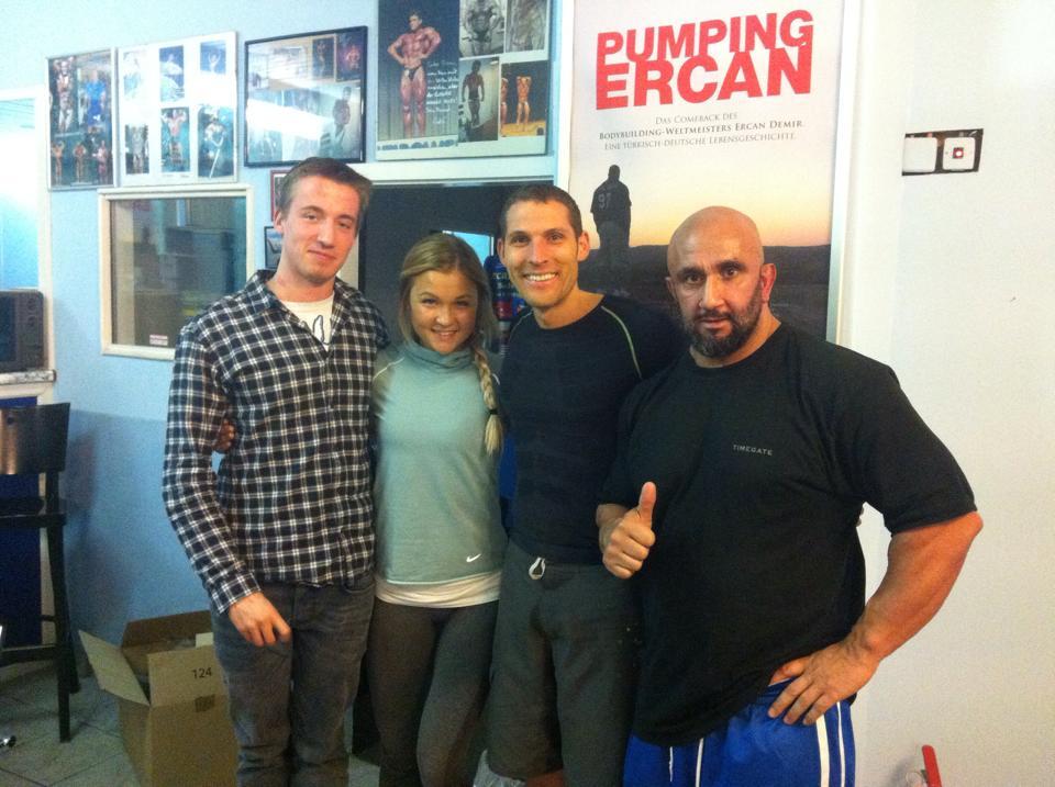Sophia Thiel mit Pumping Ercan, Ihrem Freund und Christian Wenzel