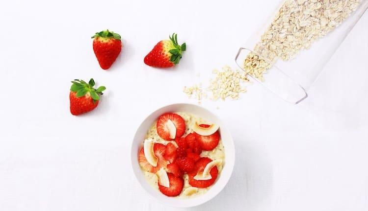 haferflocken-ungesund-erdbeer-oatmeal