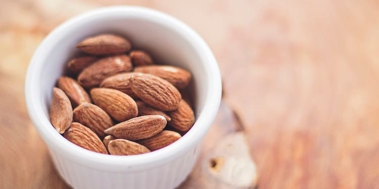 vegane Proteinpulver Eiweißpulver Test, Vegan Protein Shake mandeln