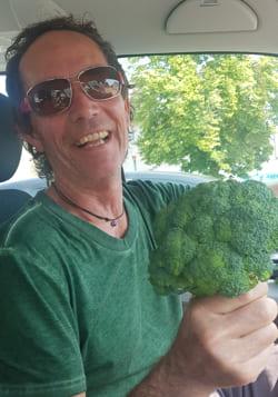 saftgras-konrad-kauzner-brokkoli