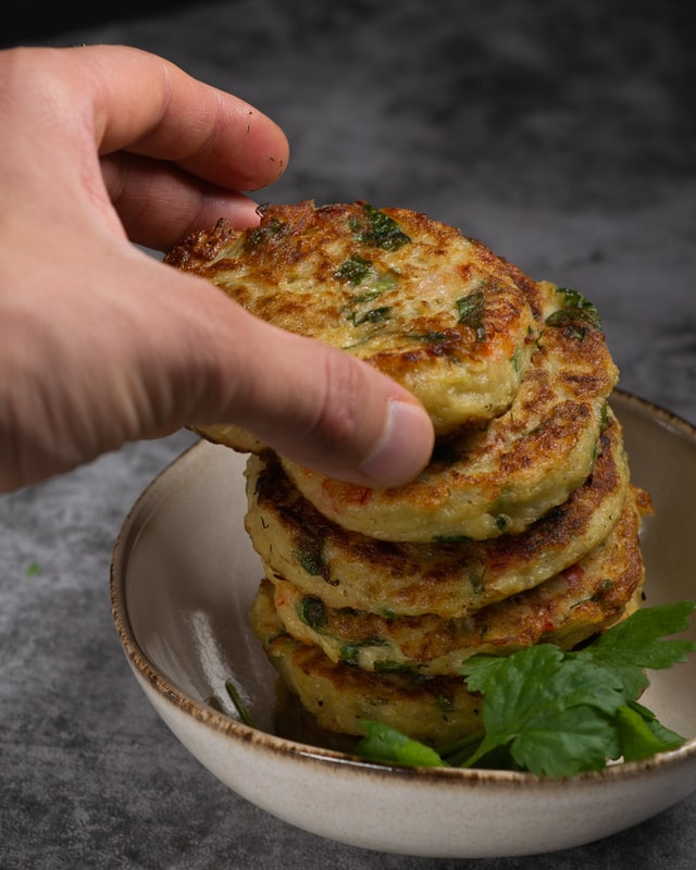 vegane Low Carb rezepte zucchini puffer